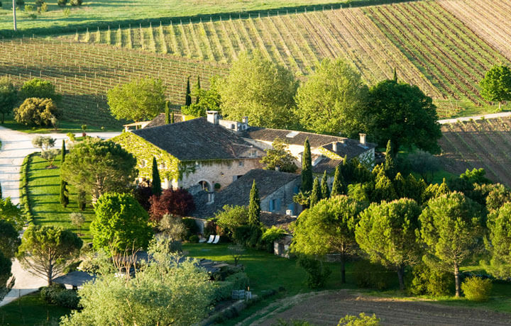Provence luberon luxury bike tours butterfield robinson for Boutique hotel luberon