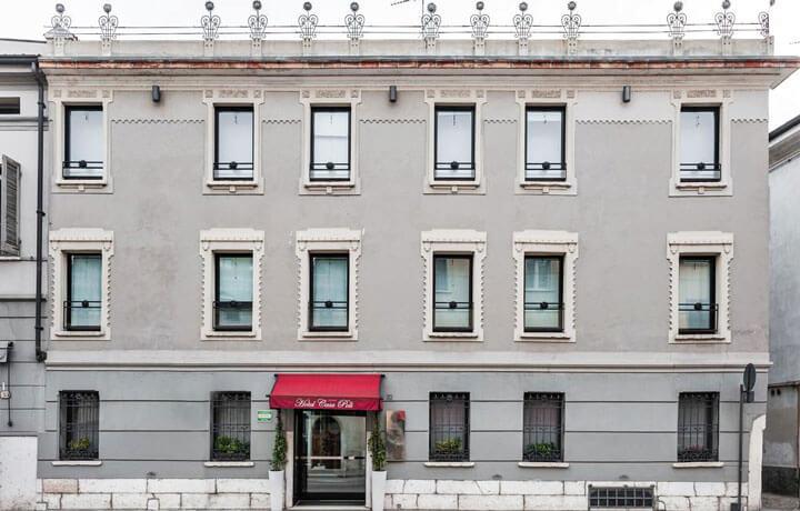 Best Luxury Hotels in Veneto, Casa Poli Mantua