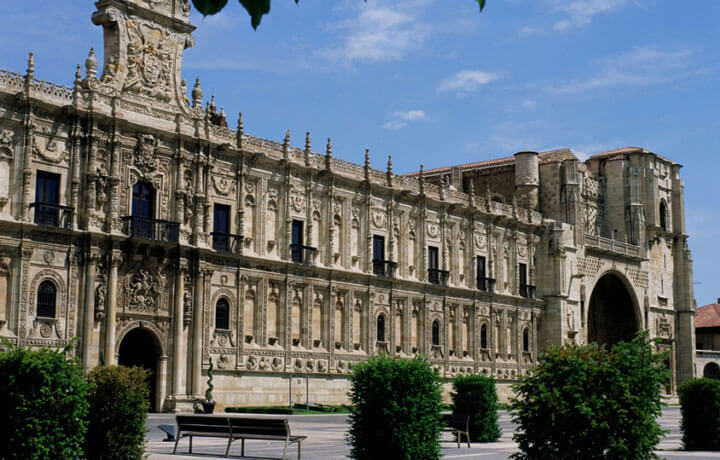 Best Luxury Hotels in Camino De Santiago, Parador San Marcos León