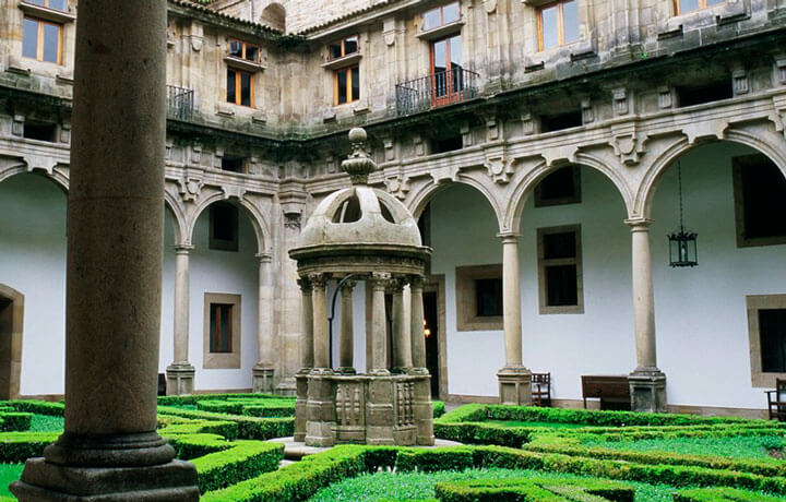 Best Luxury Hotels in Camino De Santiago, Parador de Santiago de Compostela