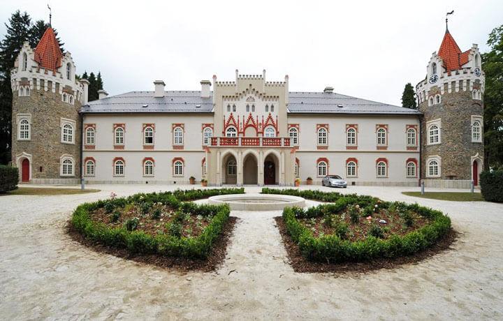 Best Luxury Hotels in Czech Republic, Chateau Heralec