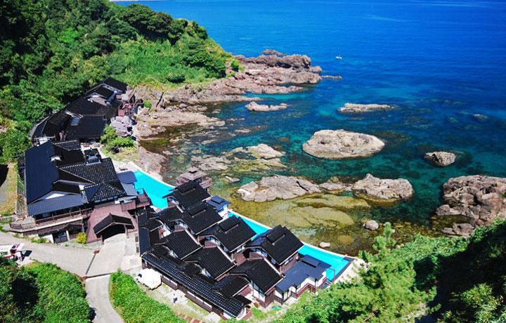 Best Luxury Hotels in Japan, Lamp No Yado Ryokan Noto