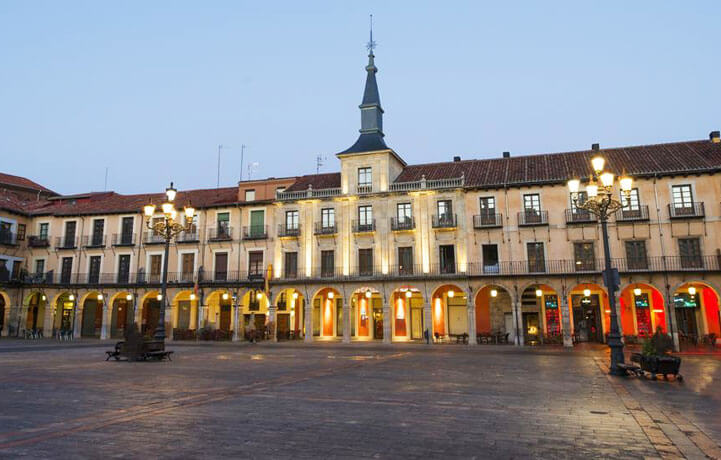Best Luxury Hotels in Camino De Santiago, Hotel NH Collection León Plaza Mayor