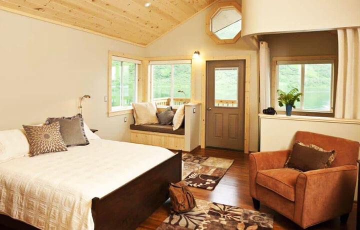 Best Luxury Hotels in United States, Kodiak Brown Bear Center